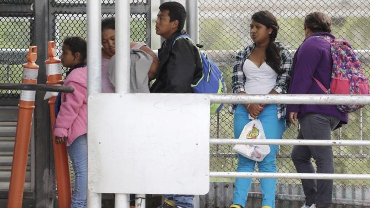 Trump Move to Limit Asylum Draws Court Challenge