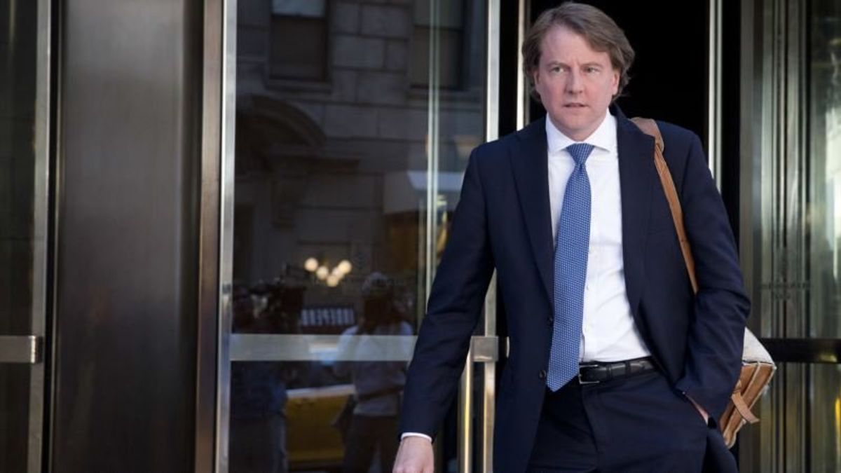Report: White House Counsel Is Cooperating With Russia Investigation