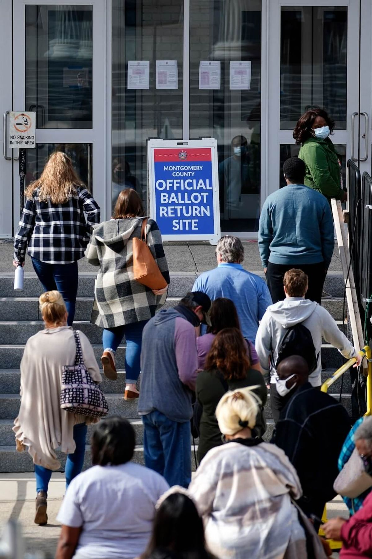 US Supreme Court Rejects Republican Bid to Limit Mail-in Voting in Pennsylvania