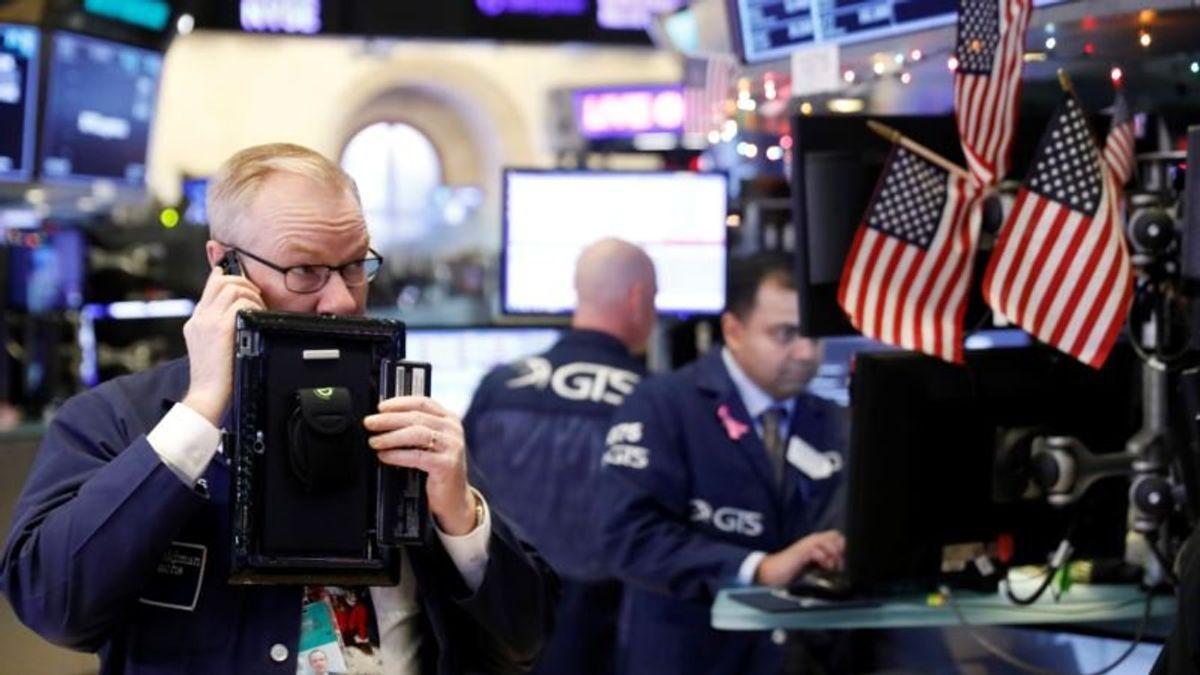 Trump Blames Fed for Market Turmoil