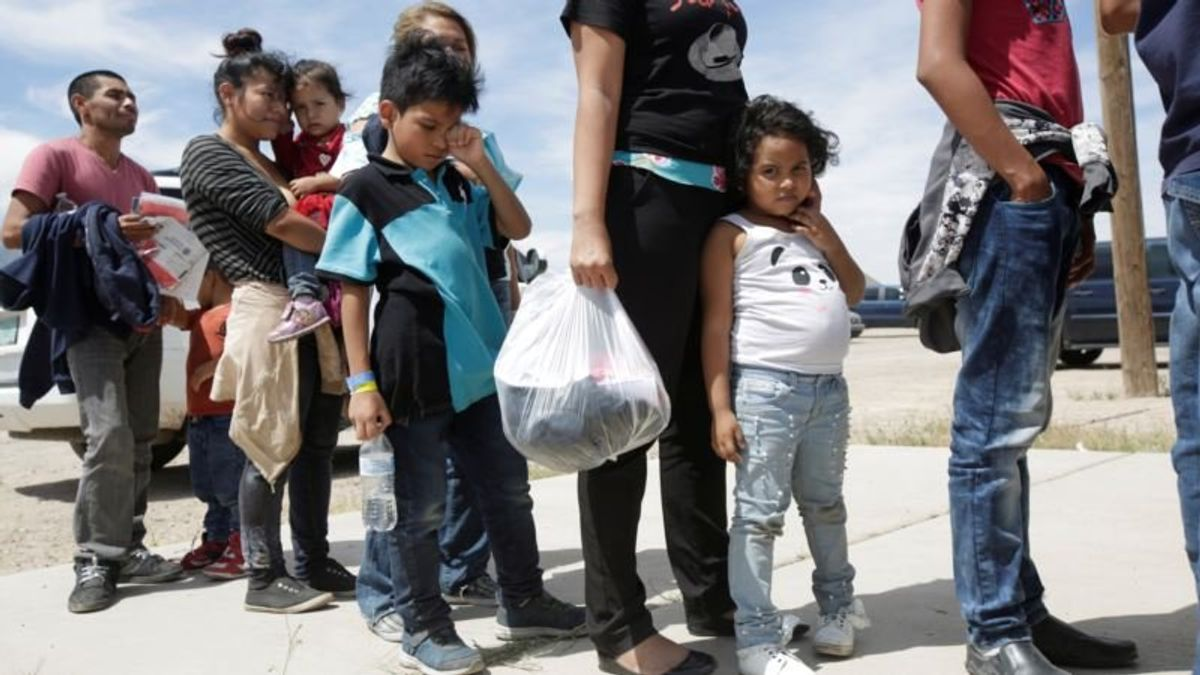 New Mexico Counties Revolt Against Migrant Releases