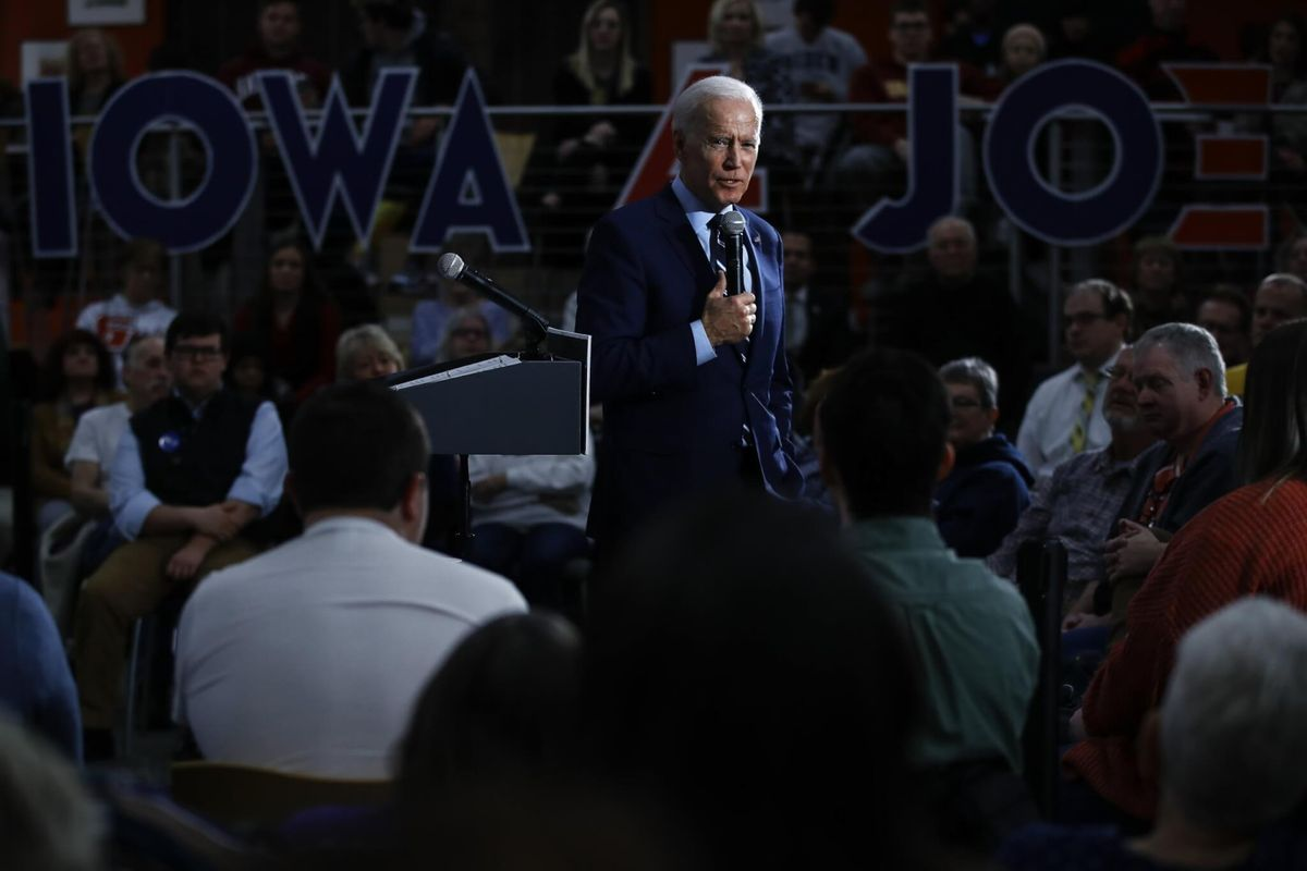 Democrats Swarm Industrial Iowa to Prove They Can Beat Trump