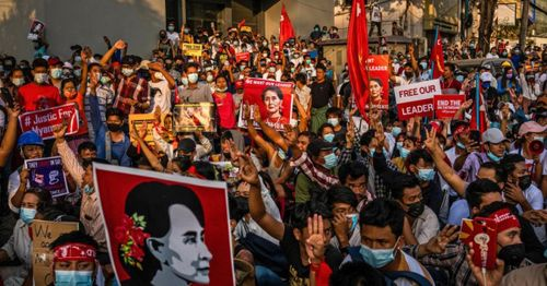 Soldiers and police crack down on protestors in Myanmar