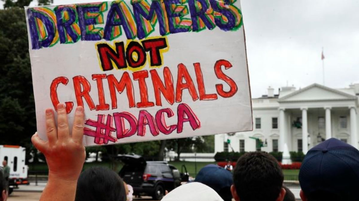 US House Members Near Forcing 'Dreamer' Immigration Debate