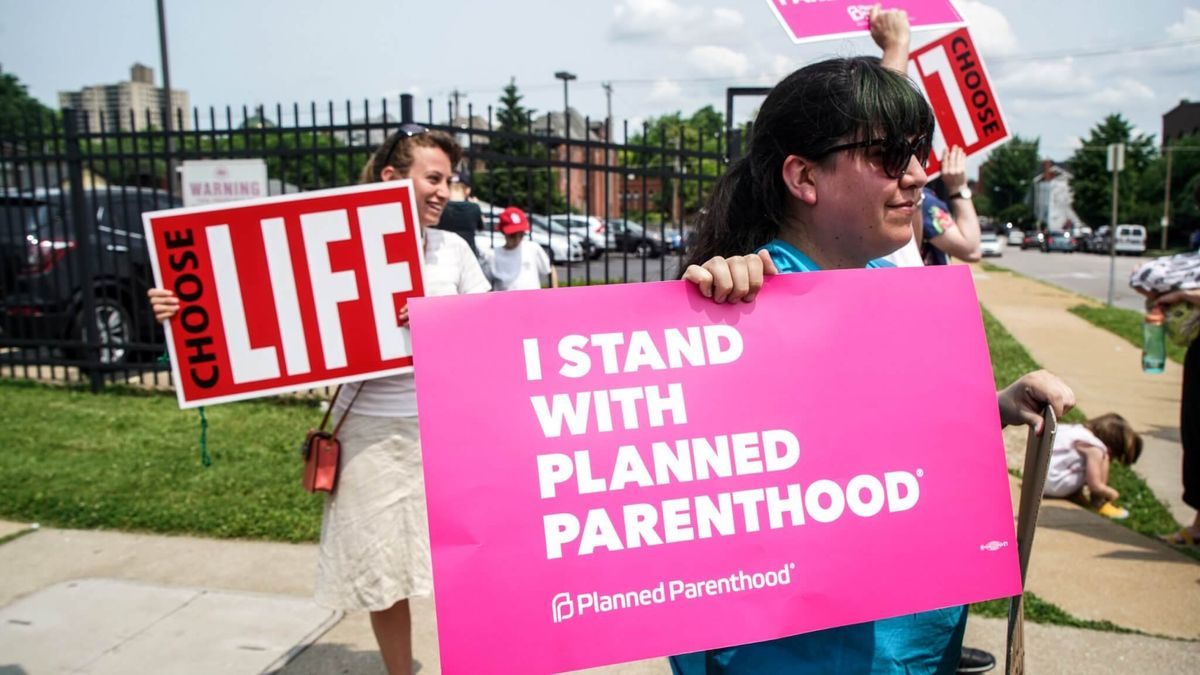 US States Step Up Funding for Planned Parenthood Clinics