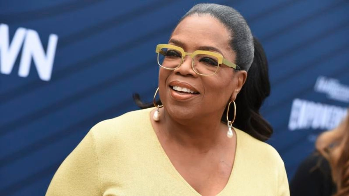 Oprah 'Quietly Figuring Out' How to Wield Her Political Clout in 2020