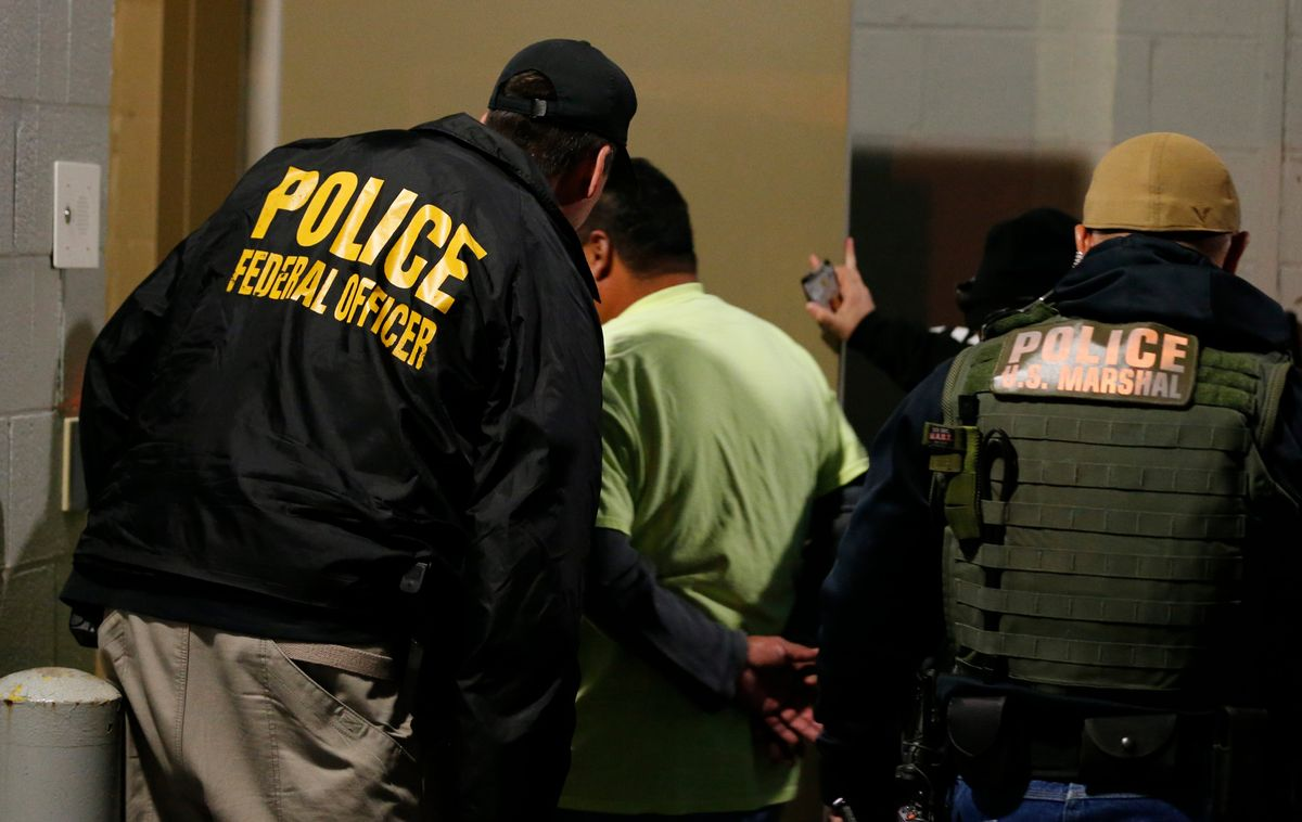 Report: Trump Orders Immigration Raids for Migrants with Deportation Orders