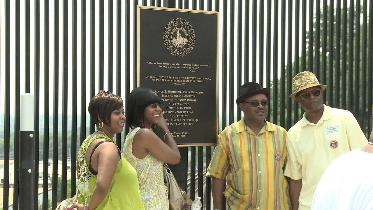 Plaque Unveiled For Anniversary Of Fort Totten Metro Crash