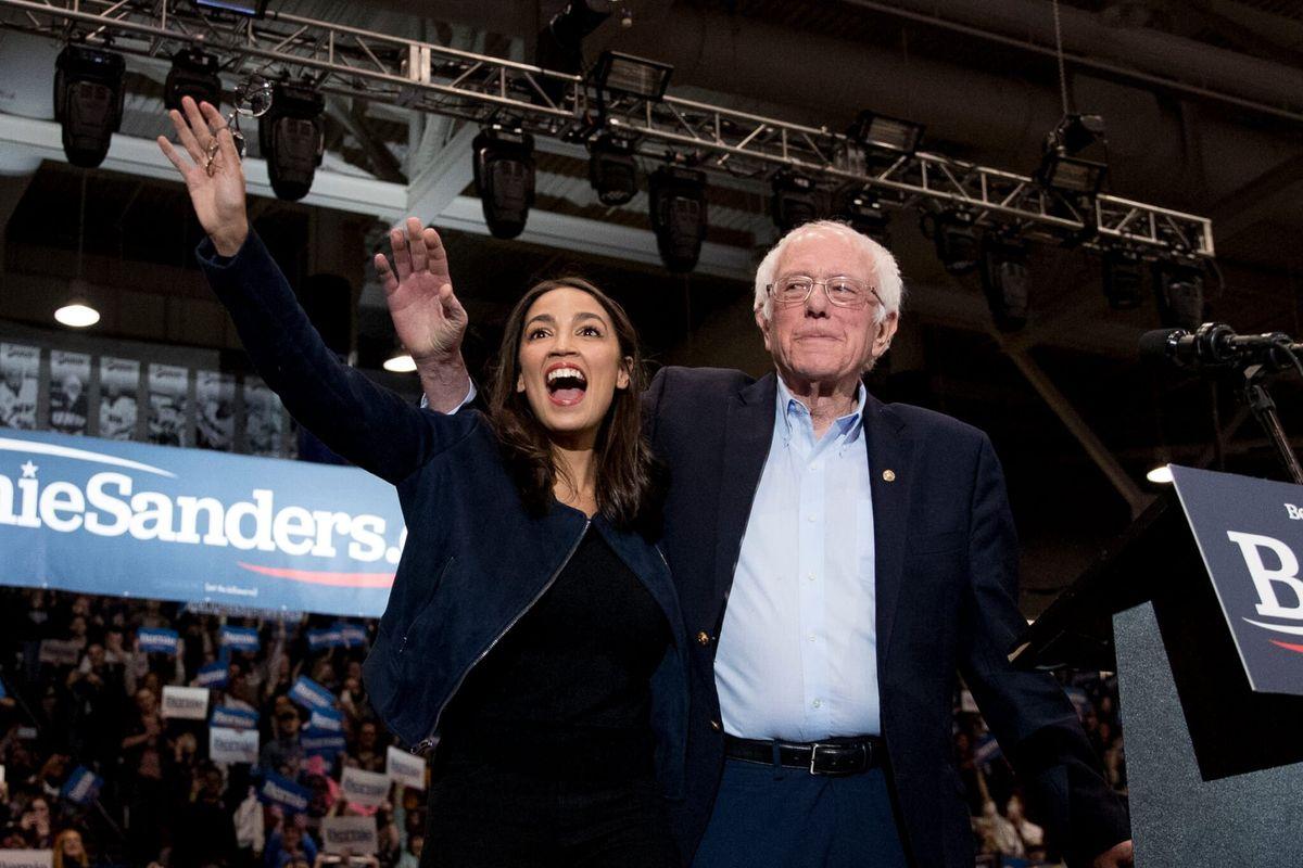 Democratic Presidential Challengers Seek Momentum in New Hampshire Primary