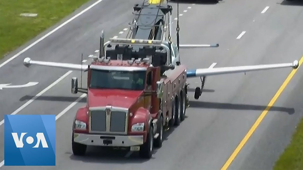 Small Plane Makes Emergency Landing on Florida Highway