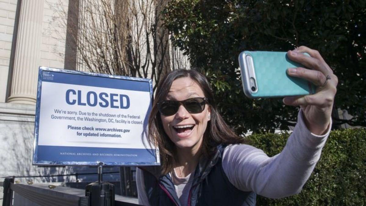 Shutdown to Continue as Senate Adjourns Until Thursday