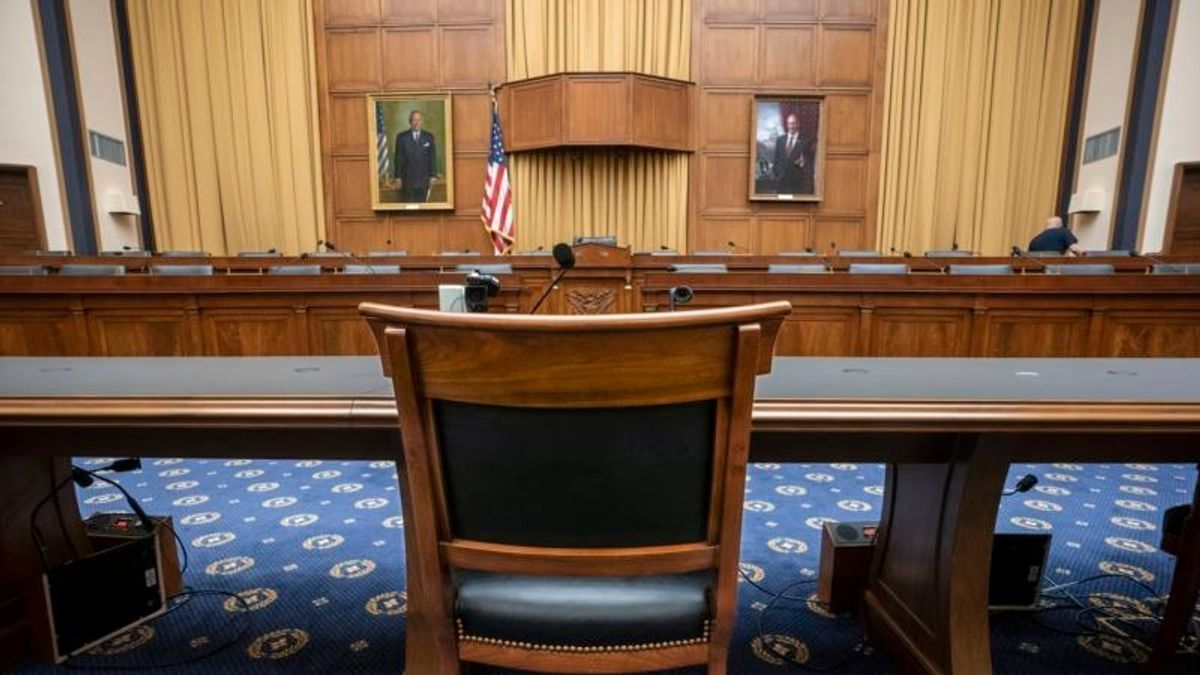 Lawmakers to See Empty Chair, not AG Barr, at House Hearing