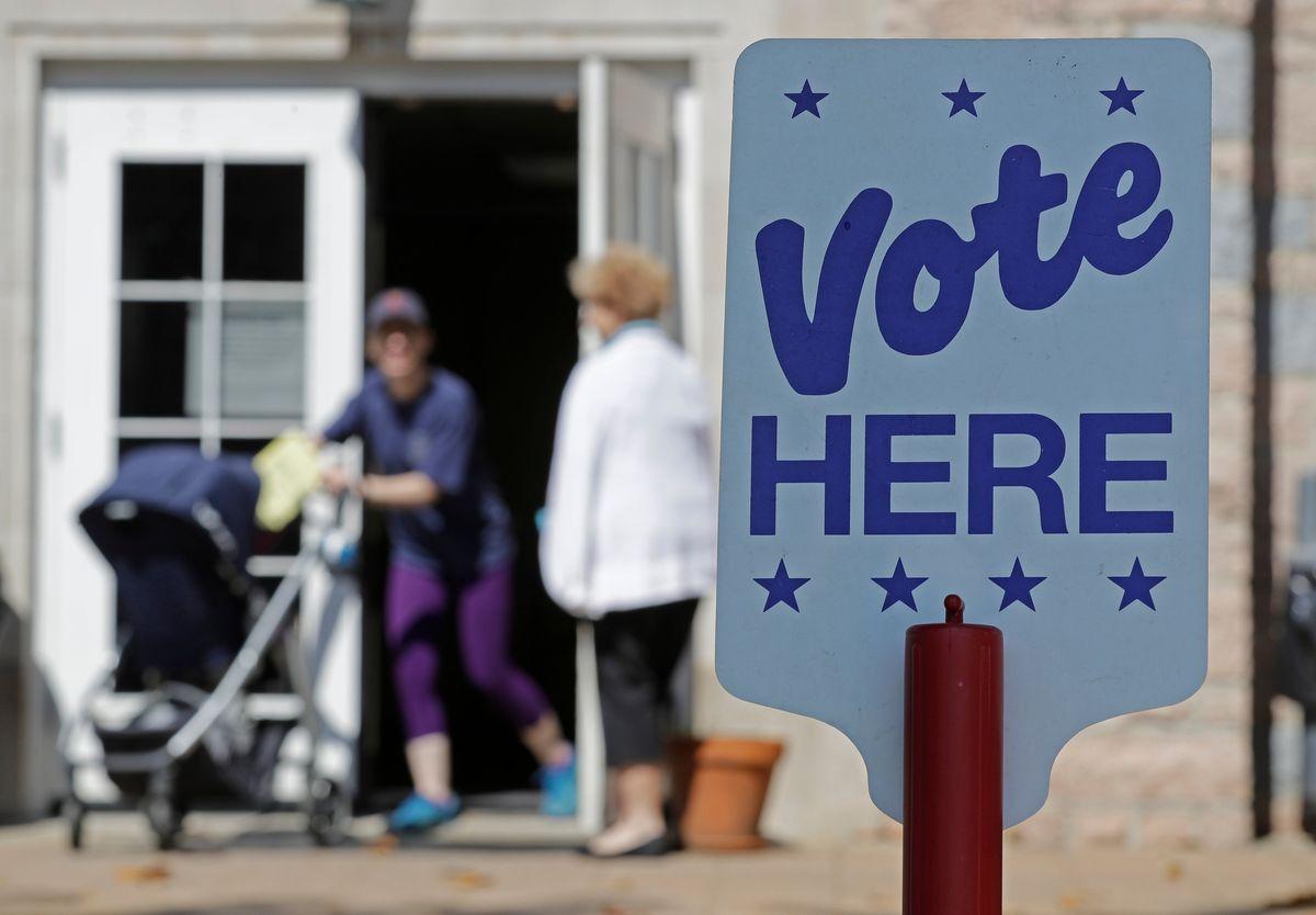 Senators Question FBI on Russian Hack of Voting Firm