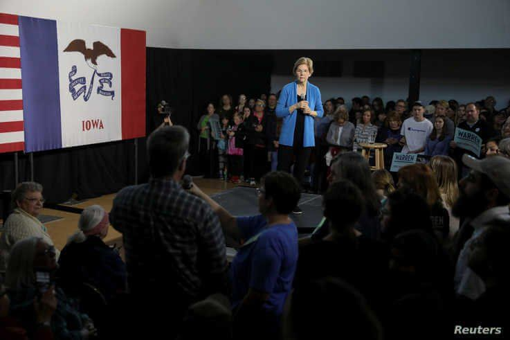 Democratic U.S. presidential candidate Senator Elizabeth Warren speaks during a town hall event in Davenport, Iowa, U.S…
