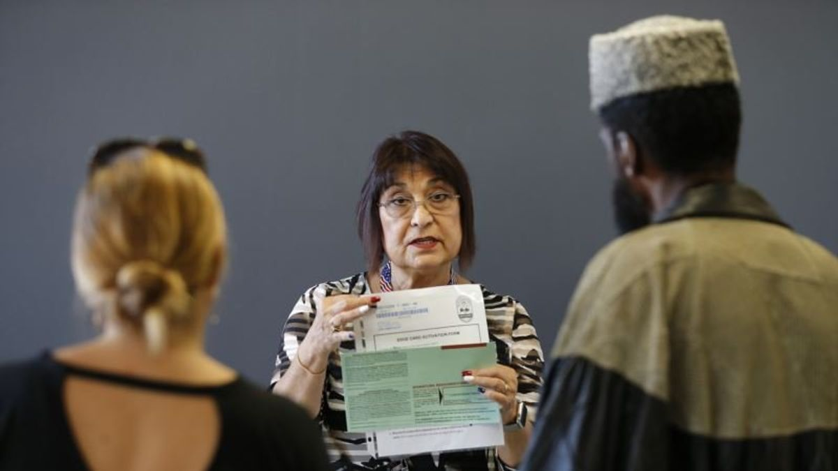 Official Hopes Staffing Boost Deters Arizona Voting Problems