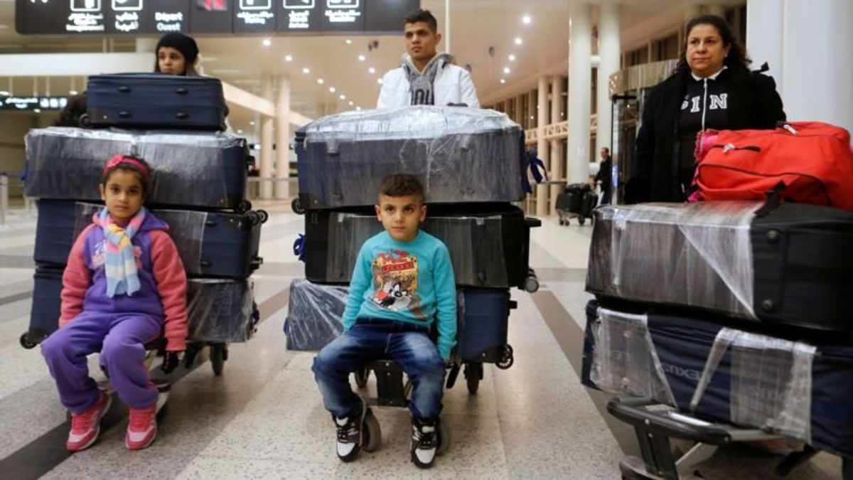 US Elected Officials Call for More Refugees