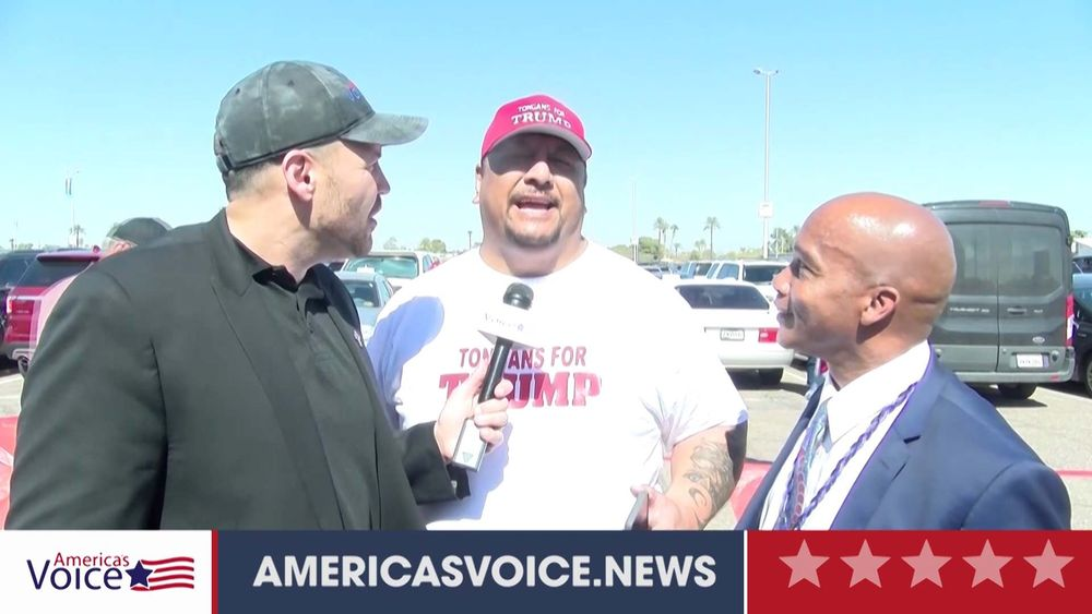Ben Bergquam speaks to Leonard with Tongons For Trump