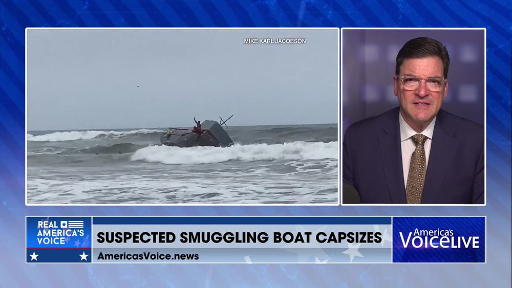 Suspected Smuggling Boat Capsizes Off San Diego Coast