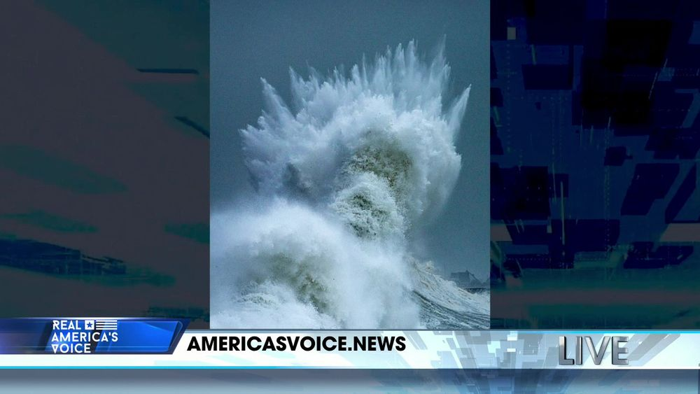 Crashing Wave Appears to Show the Face of the Greek God of the Sea Poseidon